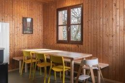 photograzphie d'intérieur d'une salle à manger